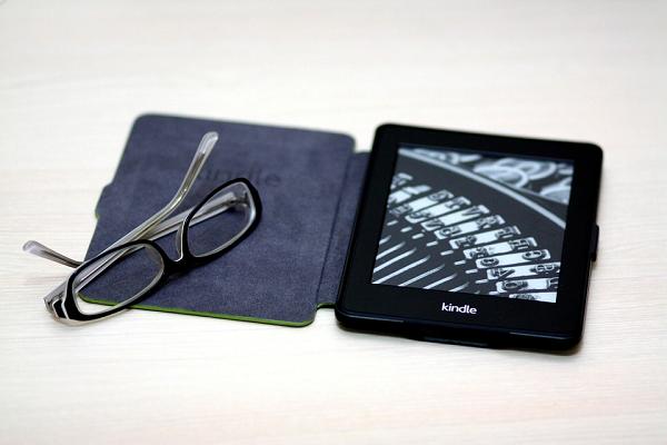 как выбрать электронную книгу +с электронными чернилами