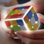 Уникальный гаджет – умный кубик Рубика: обучит, как себя собрать