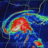 Google добавляет информацию о приближающемся  урагане
